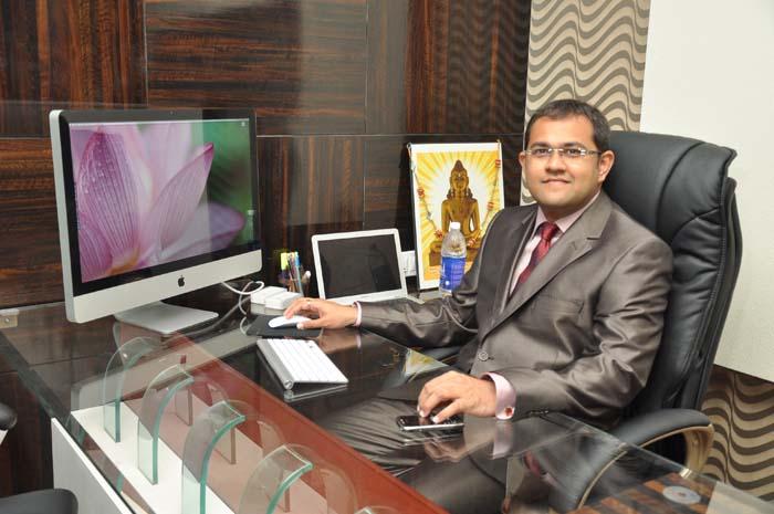 Ritesh Sarvaiya - Defencely CEO