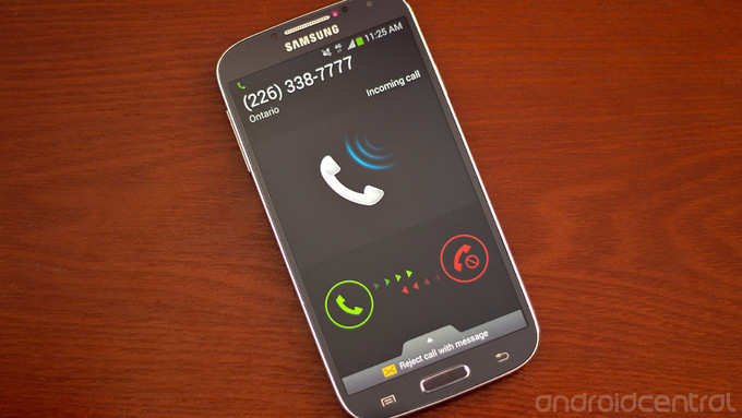 How to make a call on the Samsung Galaxy S4
